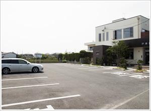 敷地内には22台分の駐車場があります